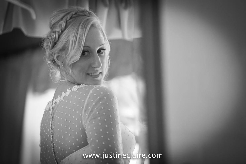 fitzleroi barn wedding photographers sussex best reportage photography-3.jpg