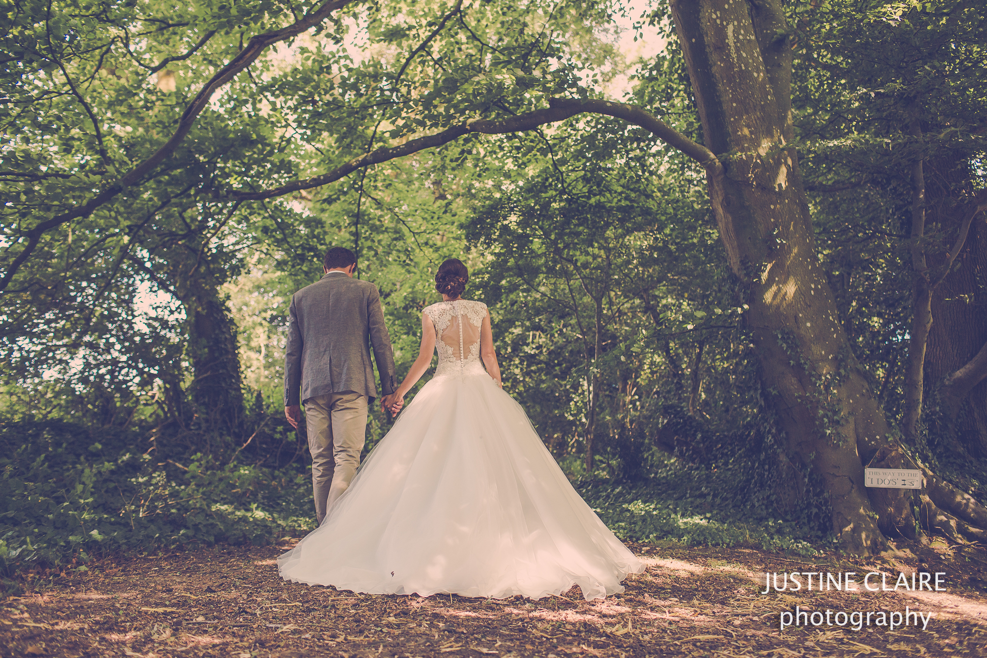 Fitzleroi Barn wedding photographer the Cherry barn Henfield west sussex-2-5.jpg