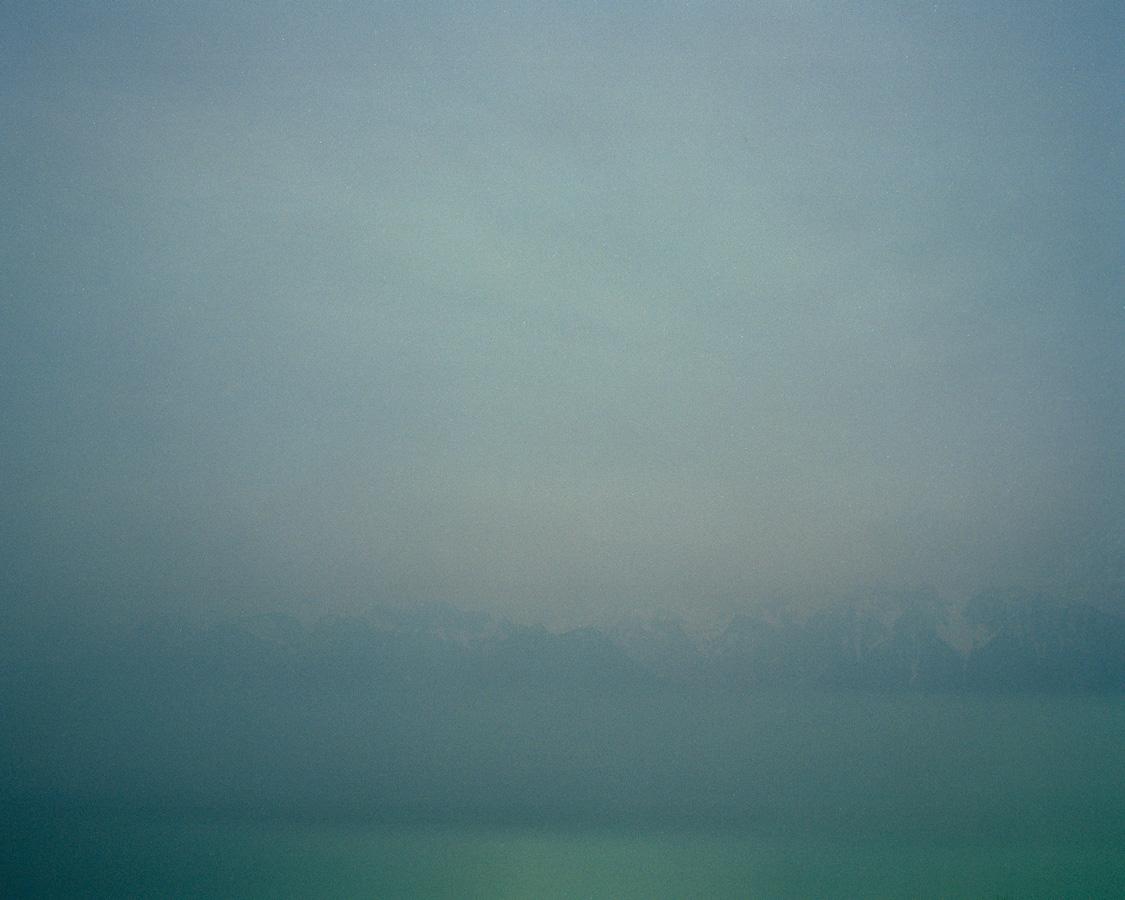 Le lac, les montagnes et le ciel, photographie argentique, 2015.