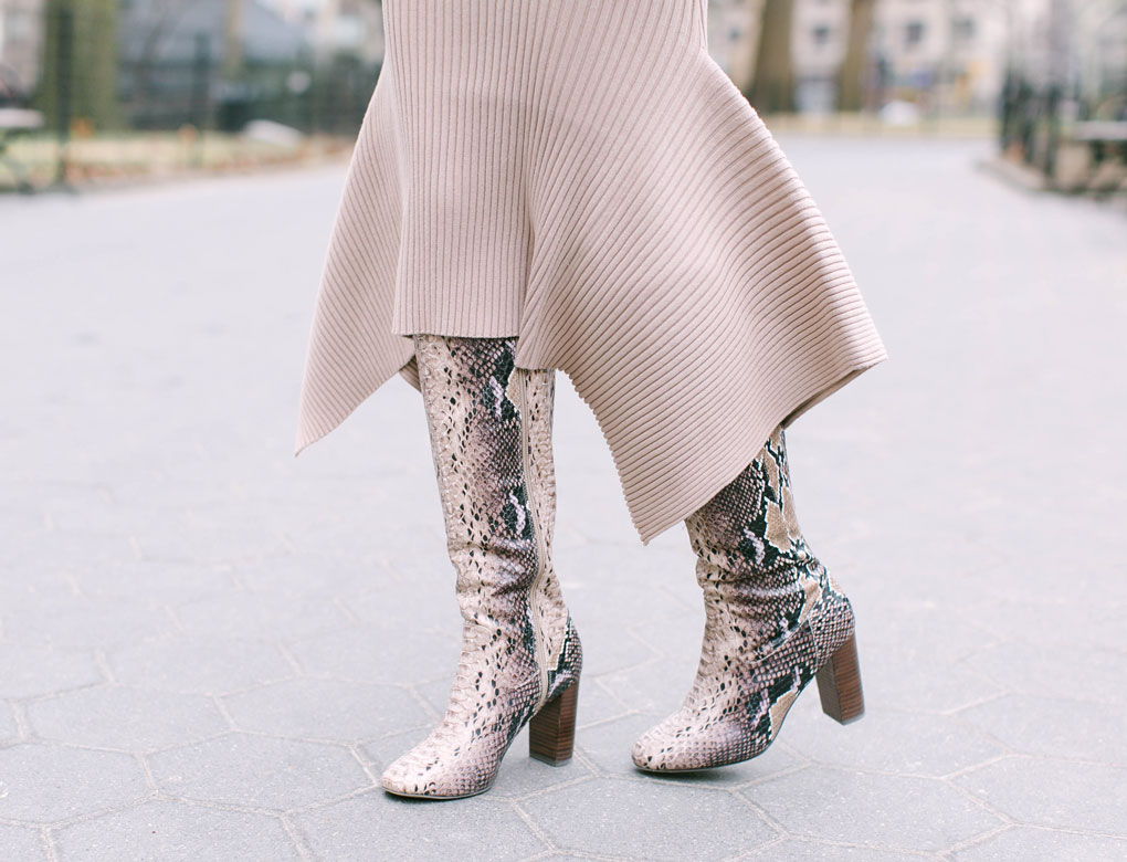 Sydne-Style-shows-the-best-snakeskin-boots.jpg