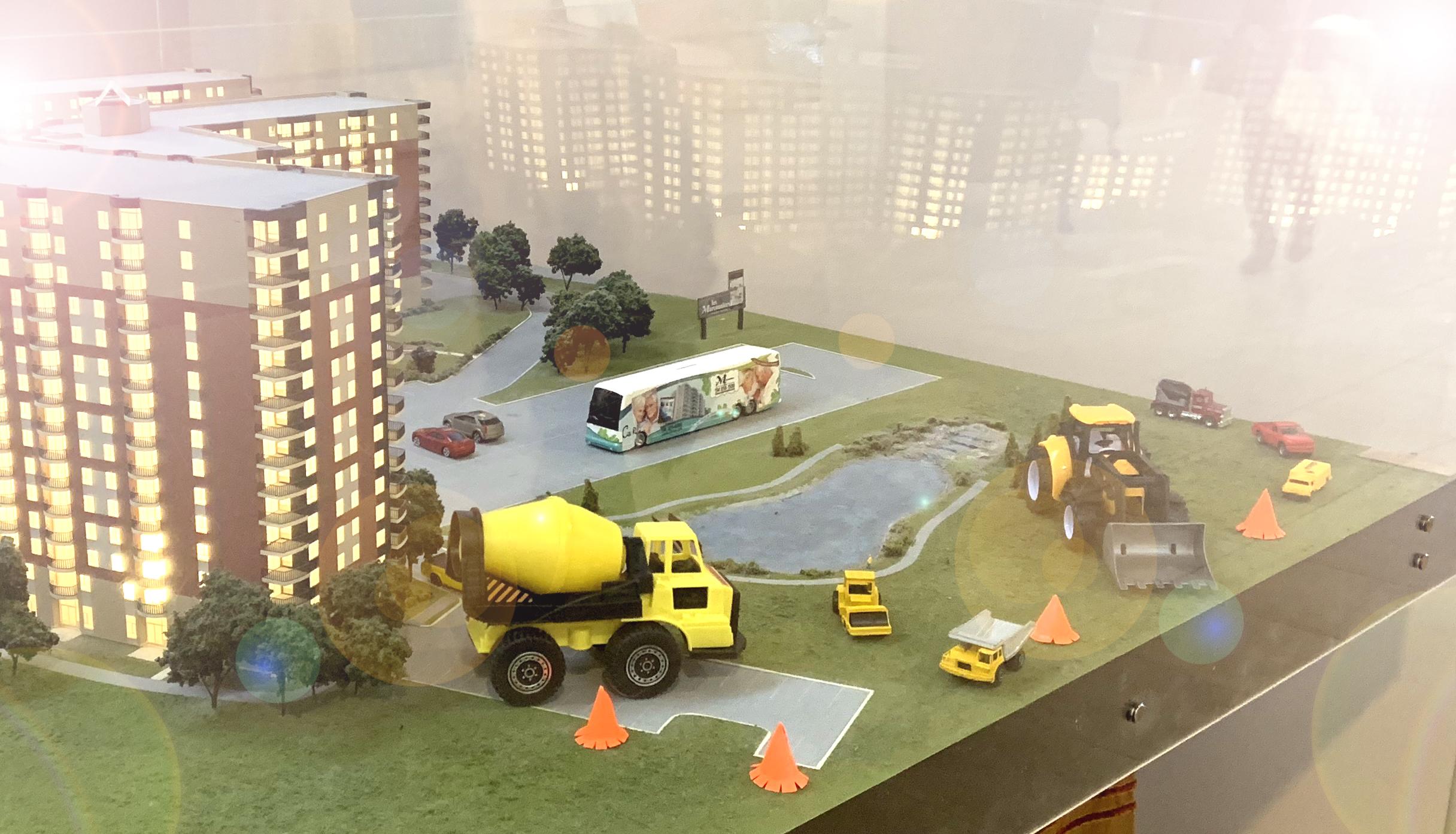 La maquette du complexe est aussi en chantier!