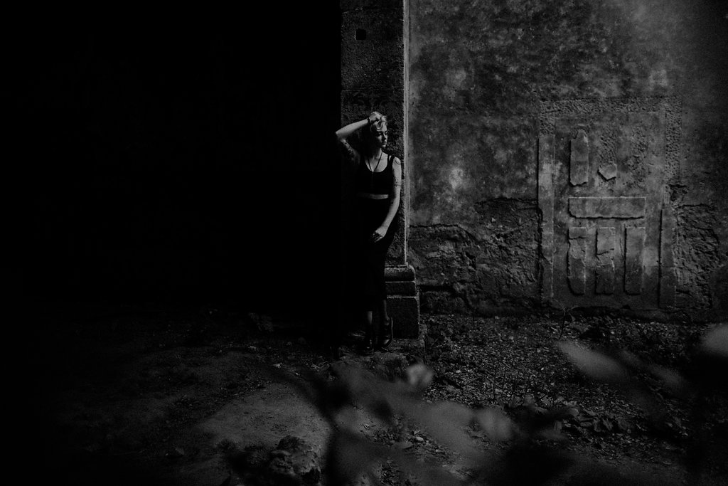 gothic girl at a pre-wedding photosessio