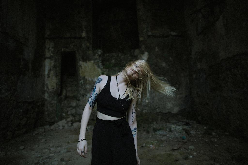 gothic-engagement-lapela-photography-30.jpg