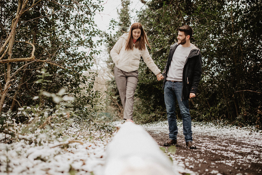 snowy engagement session in London by Lapela Photography