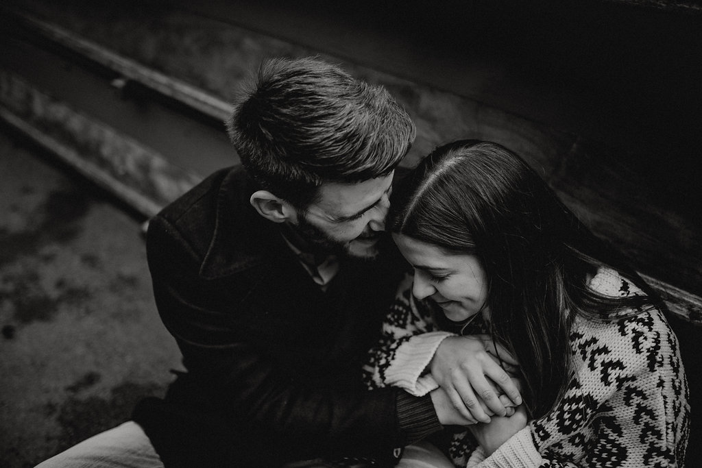 engagement session in Cambridge by Lapela Photography