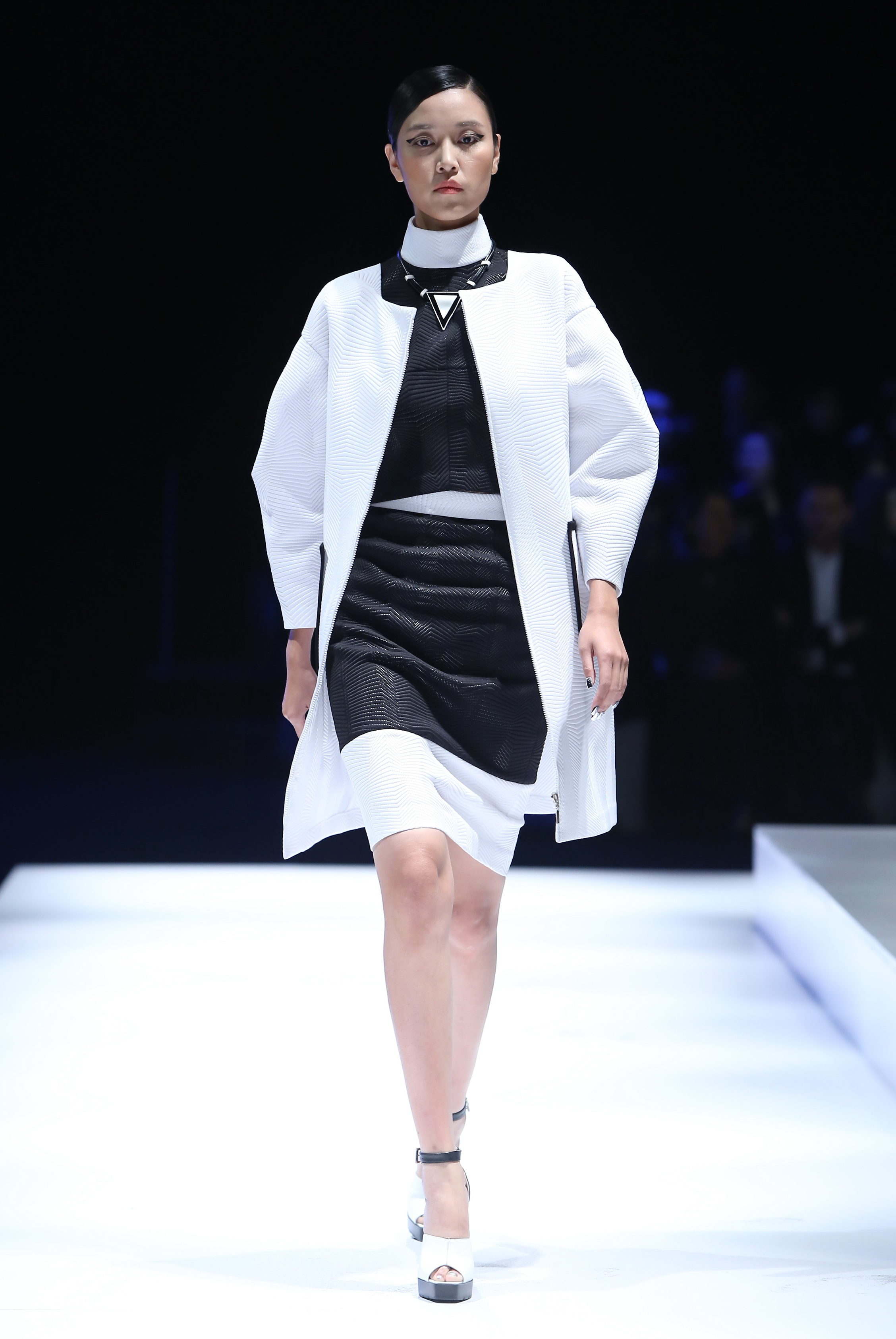 White Collar Collection/Mercedes Benz China Fashion Week