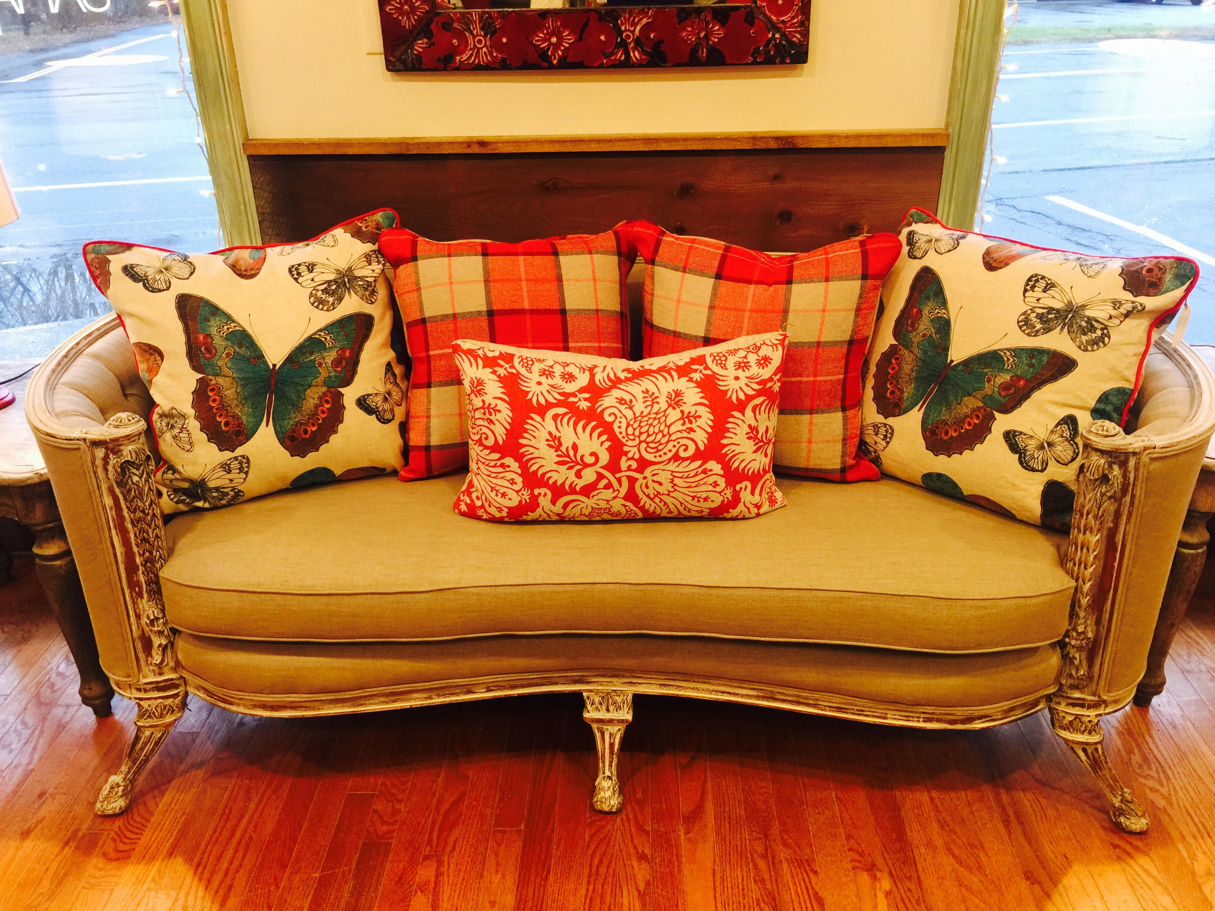 1920's couch 1.jpg