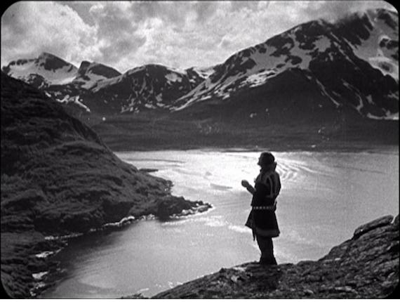 LAILA  (1929) — George Schnéevoigt