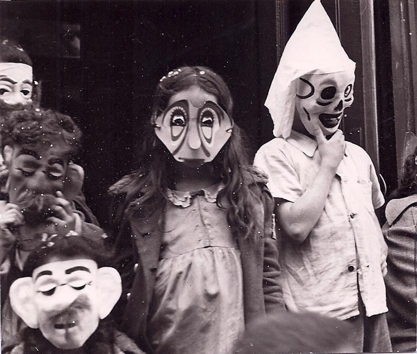 IN THE STREET  (Helen Levitt, 1952) Photo © The Estate of Helen Levitt