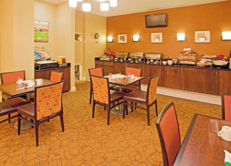 Holiday Inn (3).jpg