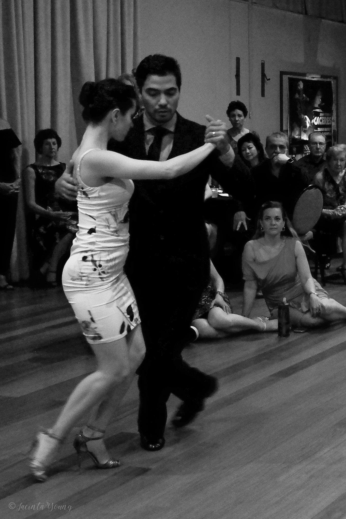 Tango Bajo -9298.jpg