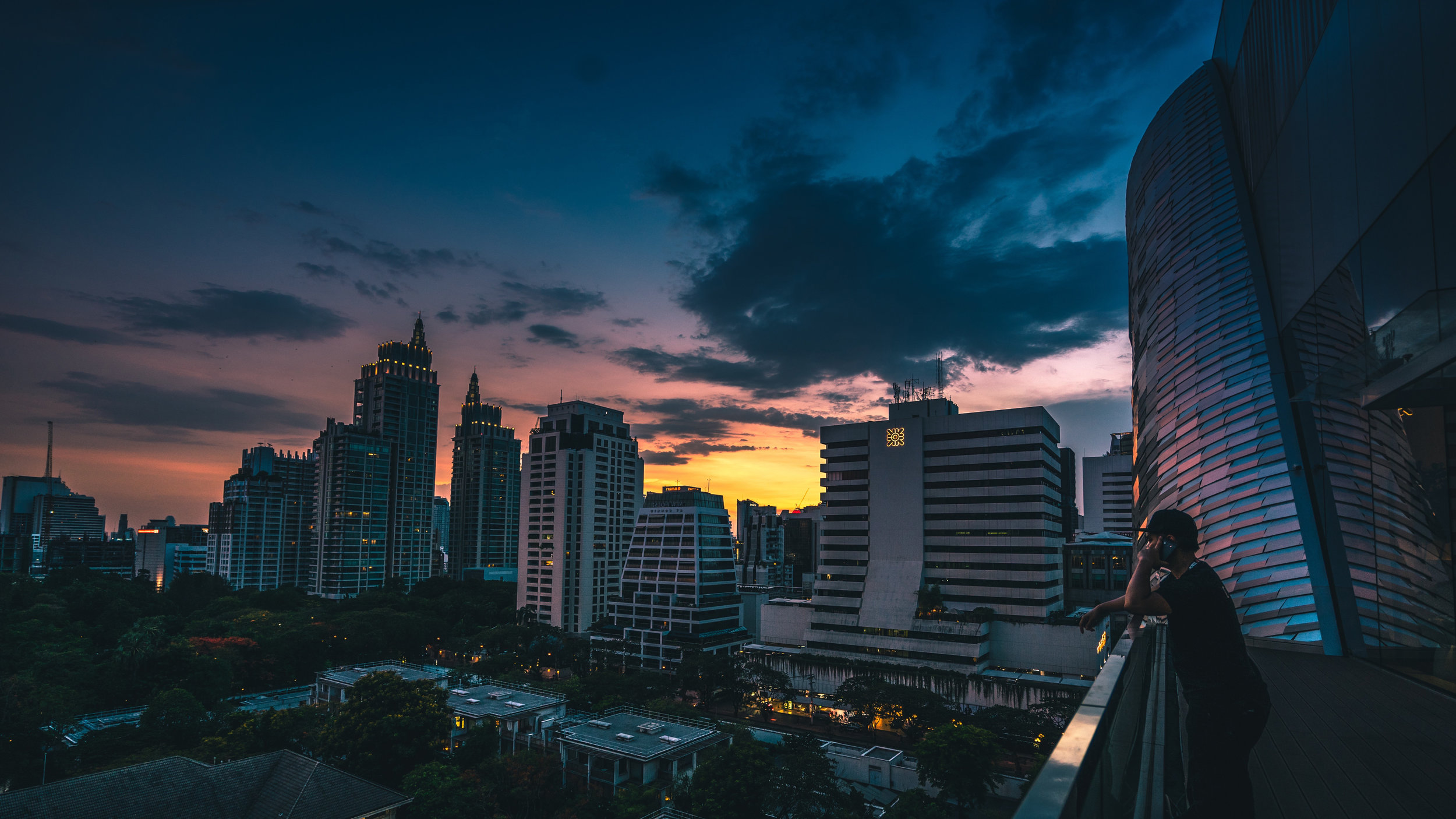 God of the city: church-planting in Bangkok -