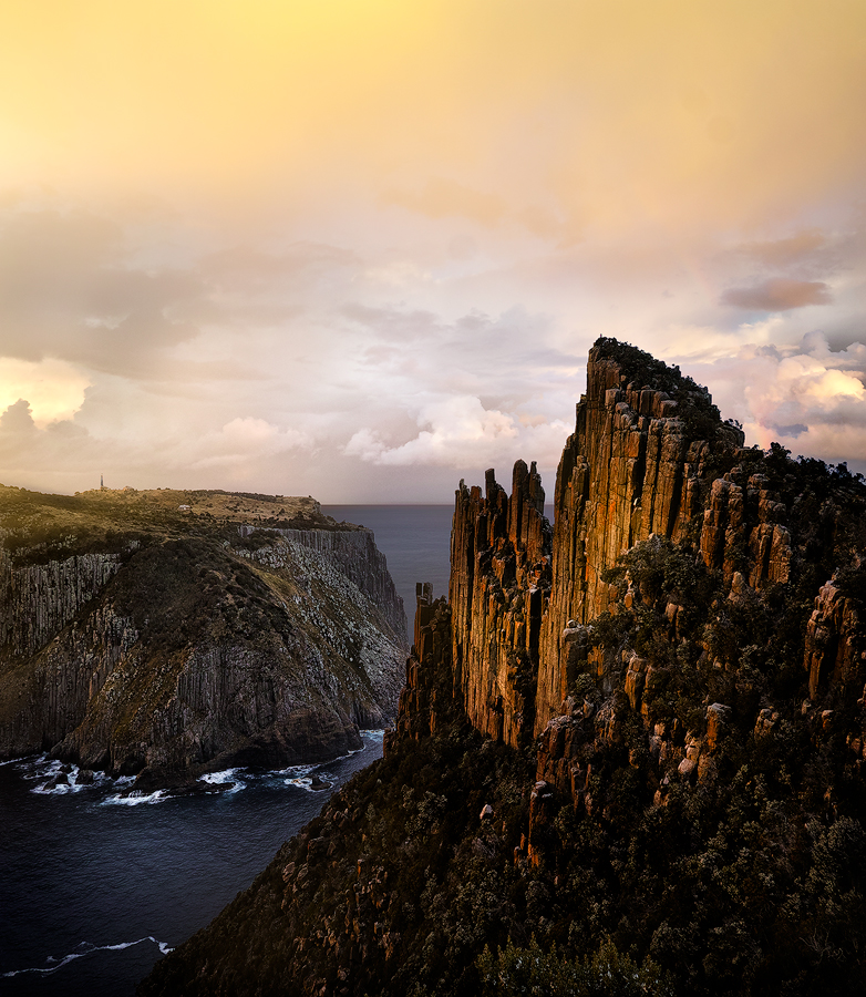 The Blade overlooking Tasman Island. You can see my friend Rob at the very top.