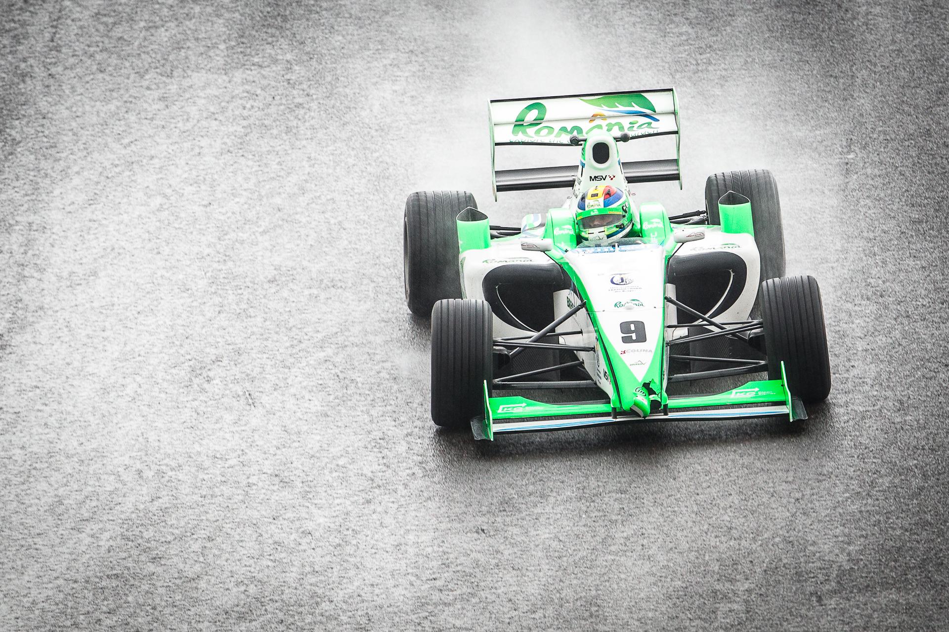 F2 Racer - grungy.jpg