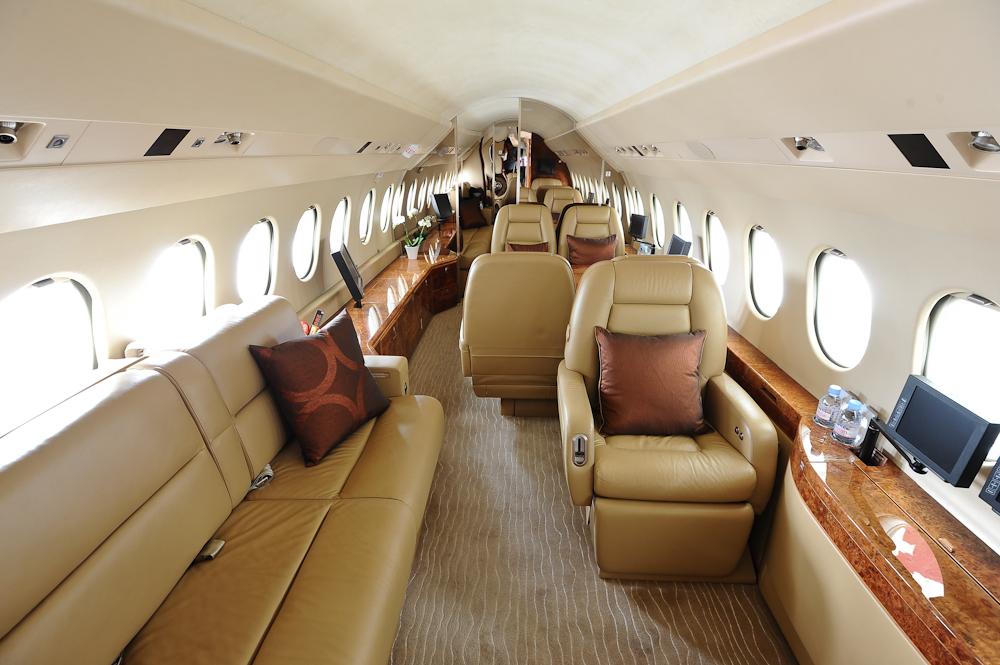 Falcon 900EX Interior Divan