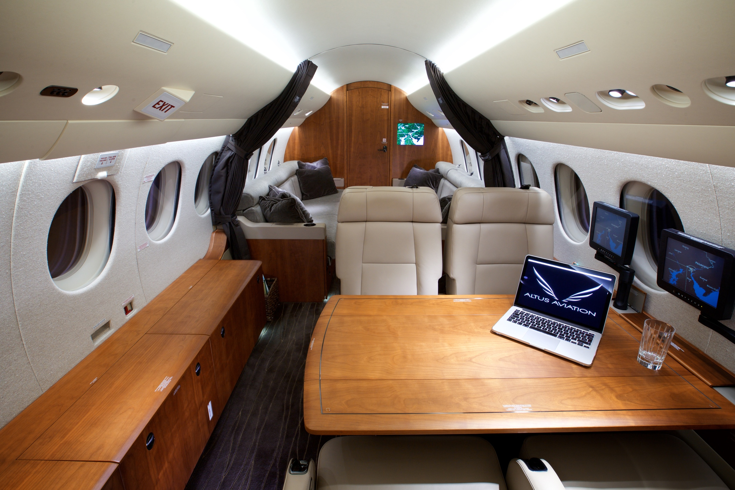 2012 Dassault Falcon 7X For Sale - Conference Group