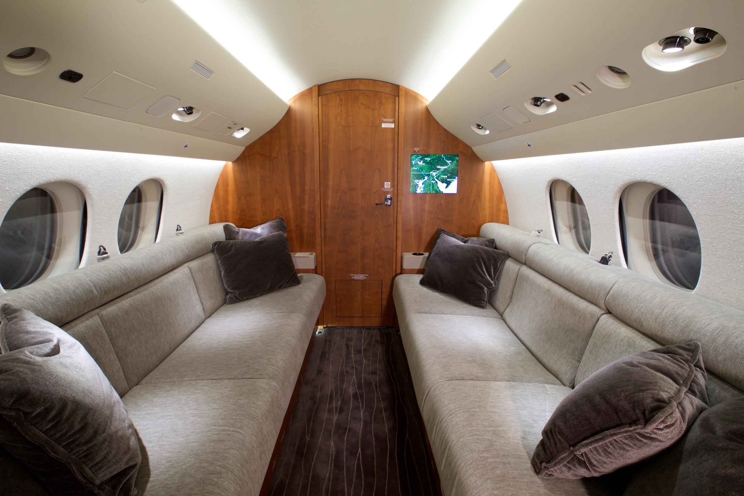2012 Dassault Falcon 7X For Sale - Double Divans