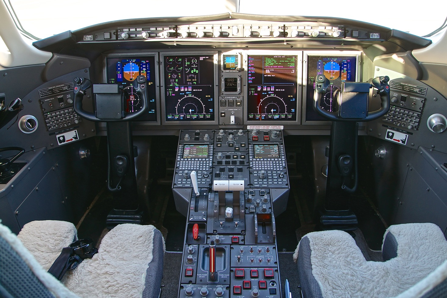 Challenger 300 For Sale 4