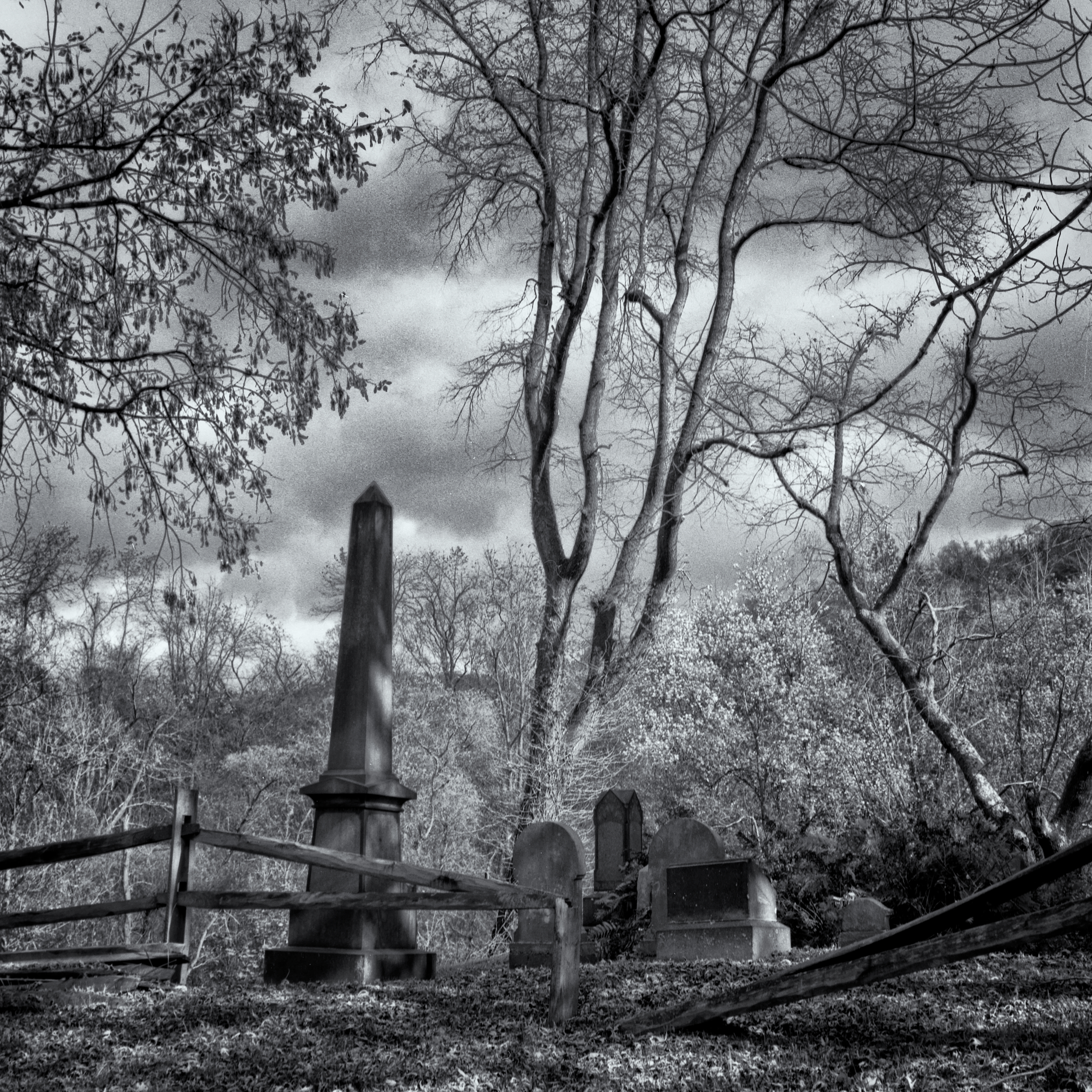 Dravo Cemetery: Unknown Headstones