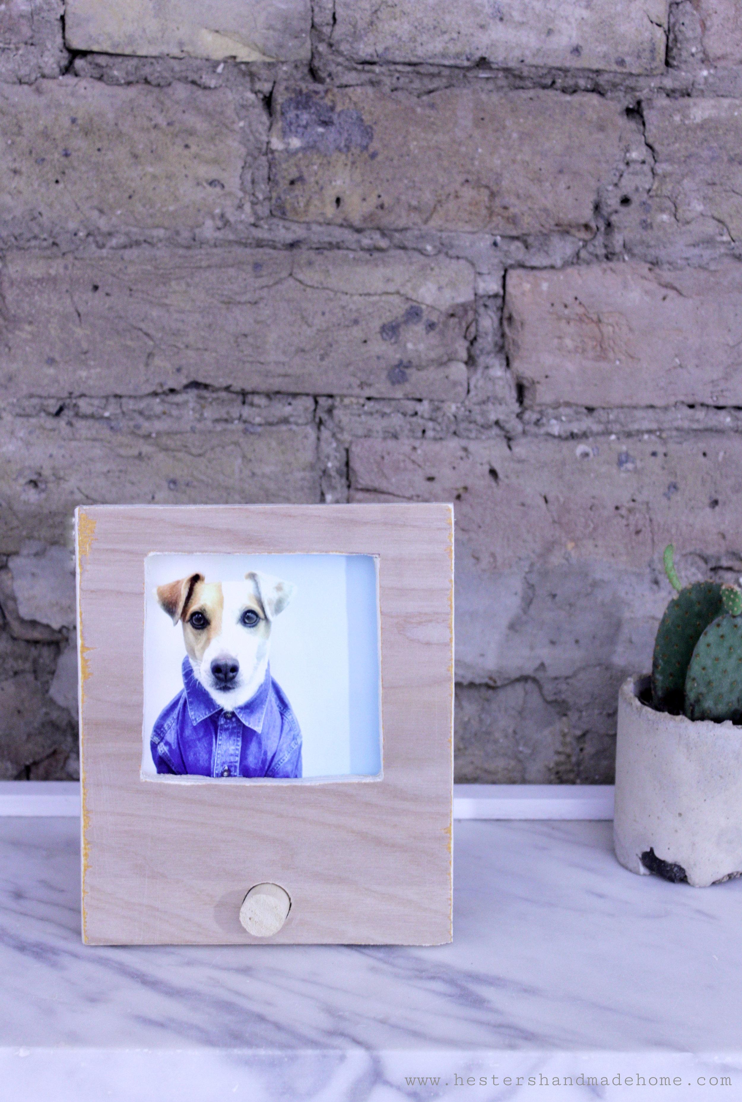 Scrap wood photo frame, perfect handmade gift. Tutorial by www.hestershandmadehome.com