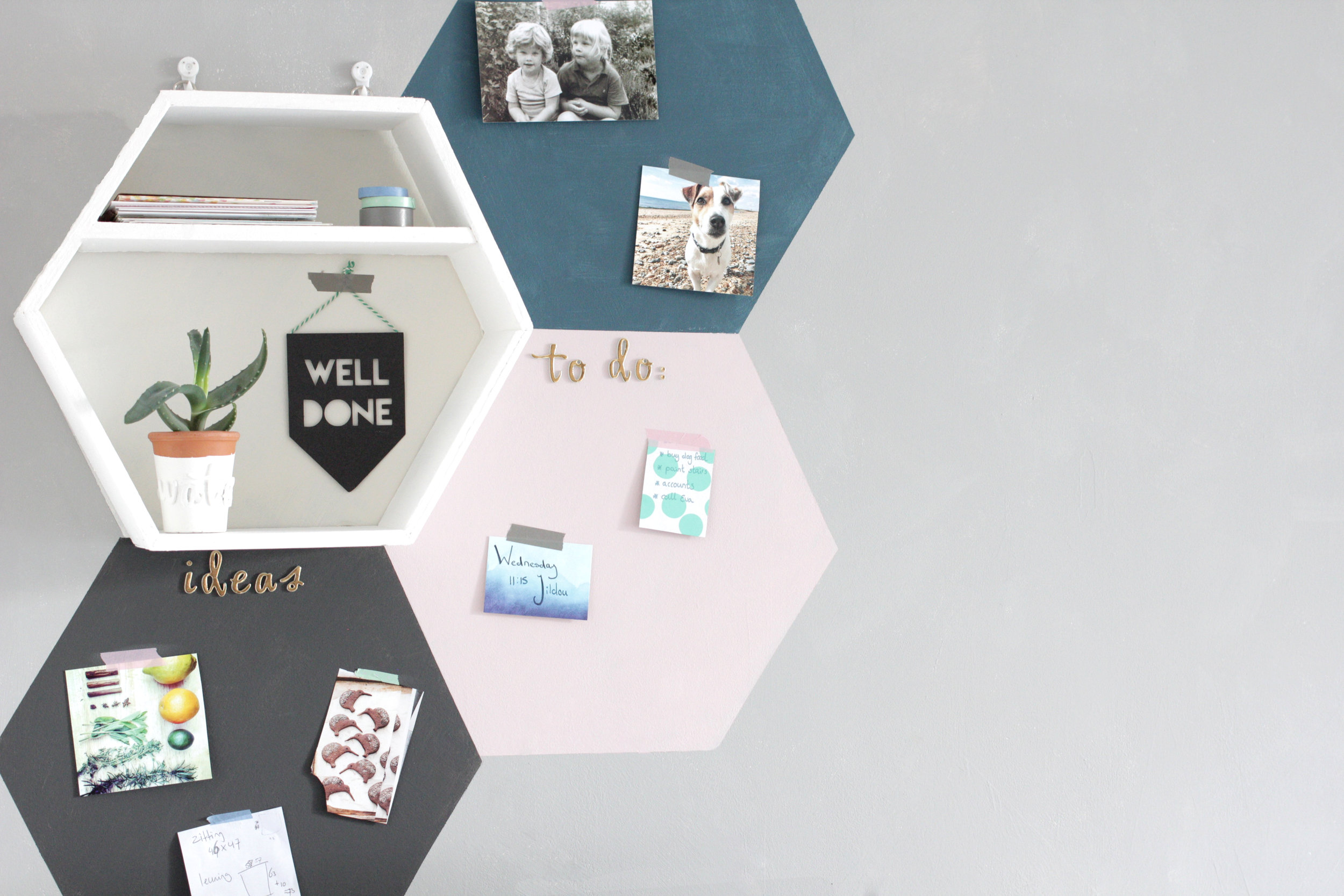 Annie Sloan wall paint painted notice board by www.hestershandmadehome.com