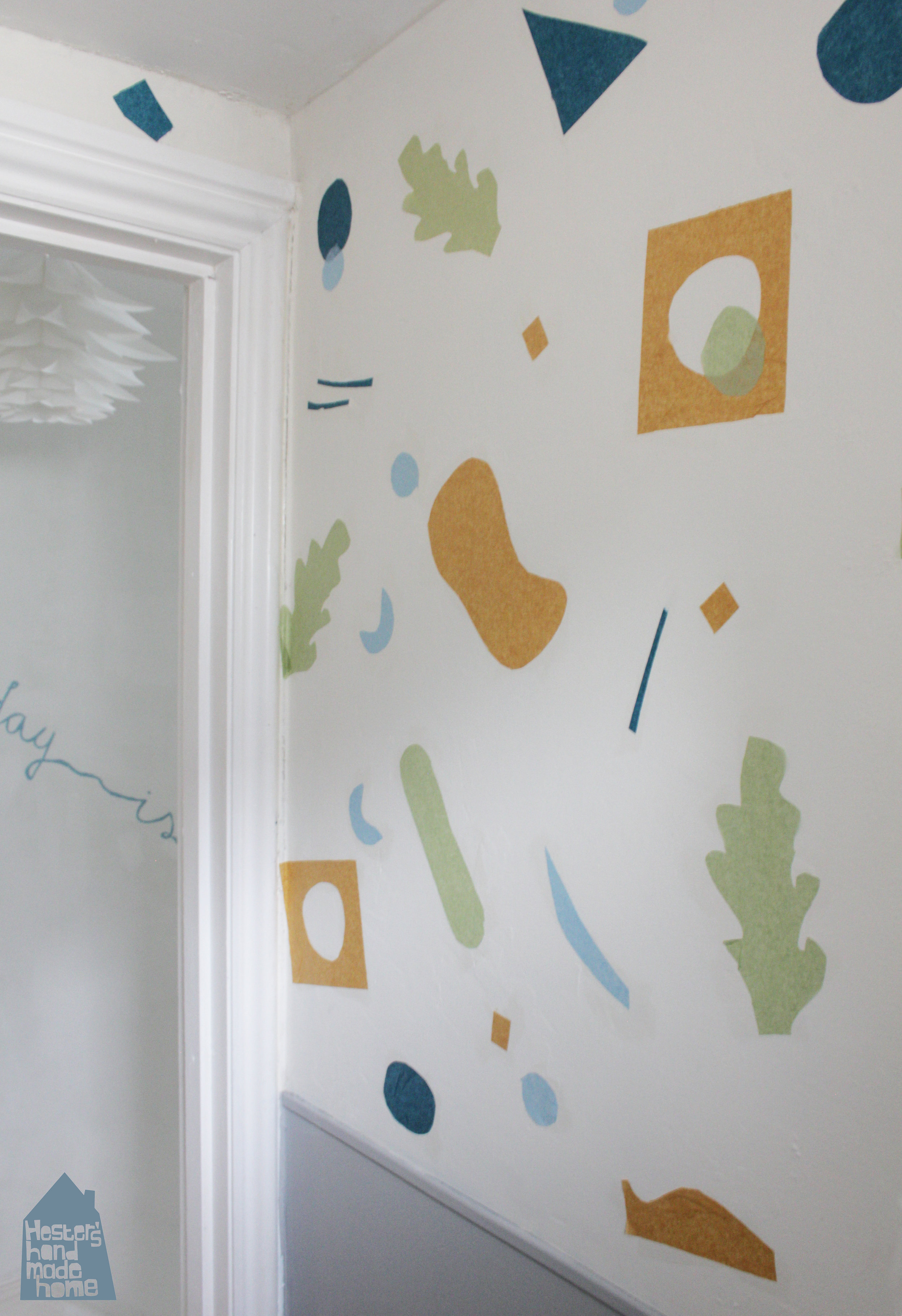Super Easy Wall Decor by www.hestershandmadehome.com
