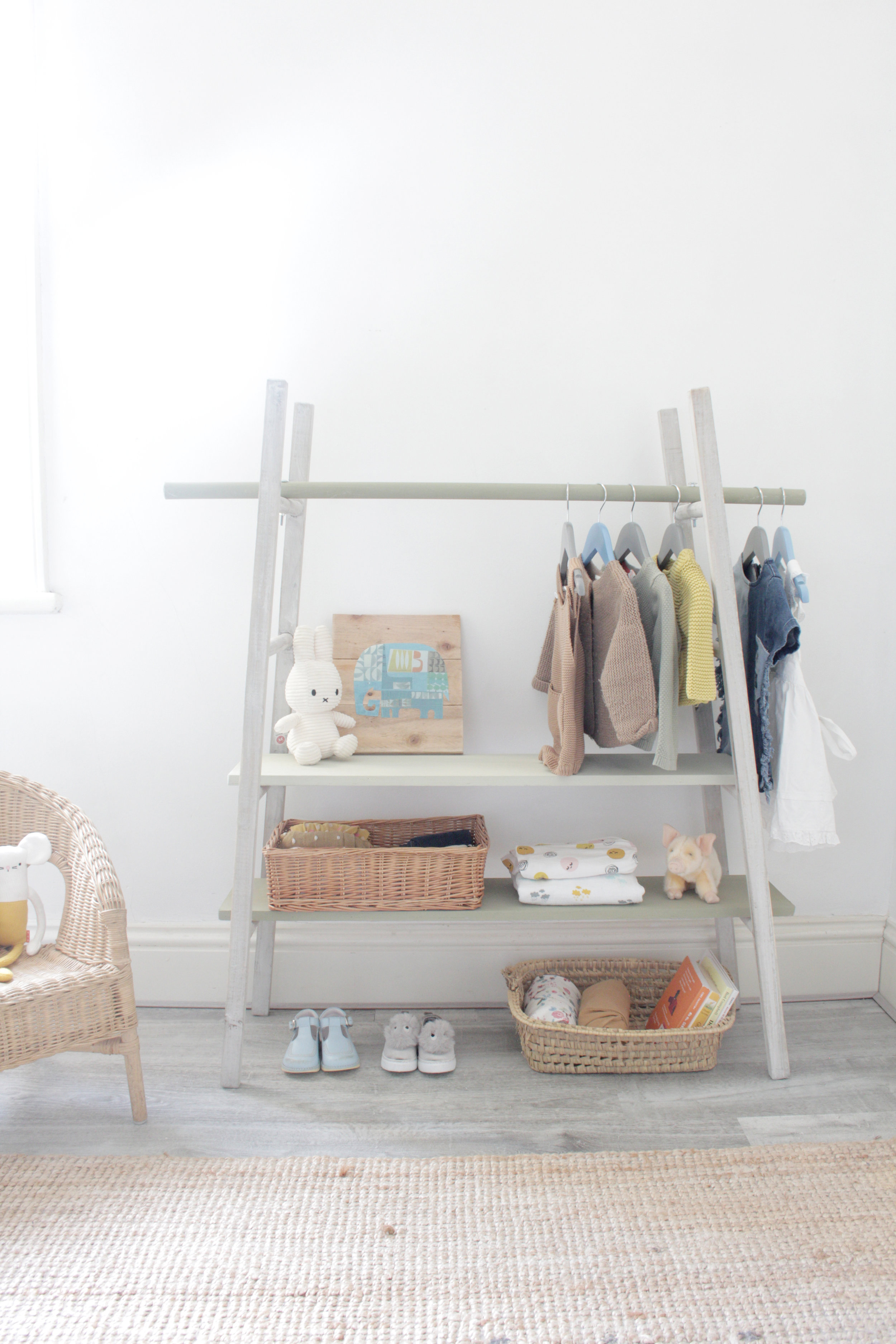 ladder to wardrobe, kids room tutorial by www.hestershandmadehome.com