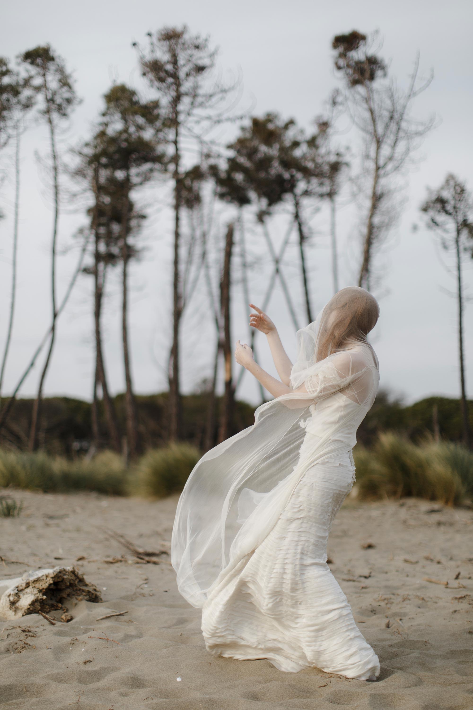PENELOPE_ethereal_seaside_shoot_off_the_tuscan_coast_25.jpg
