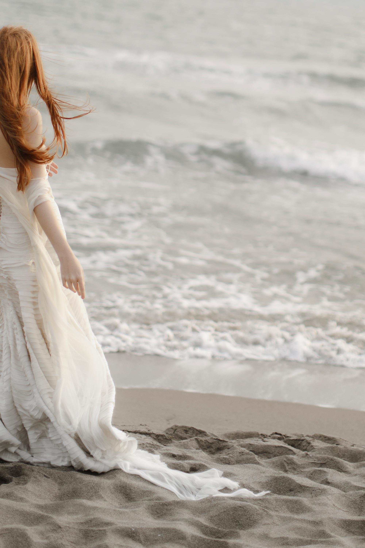 PENELOPE_ethereal_seaside_shoot_off_the_tuscan_coast_30.jpg