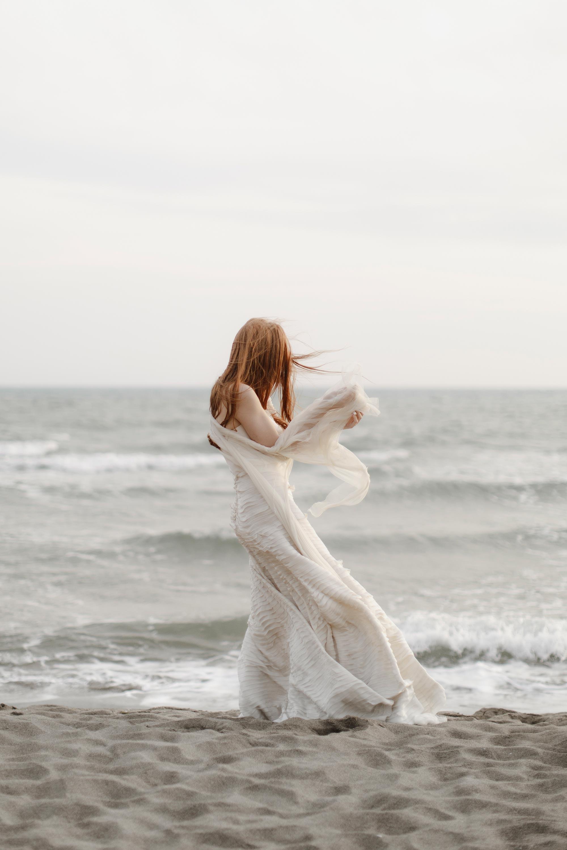 PENELOPE_ethereal_seaside_shoot_off_the_tuscan_coast_32.jpg