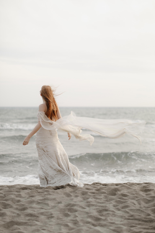 PENELOPE_ethereal_seaside_shoot_off_the_tuscan_coast_34.jpg