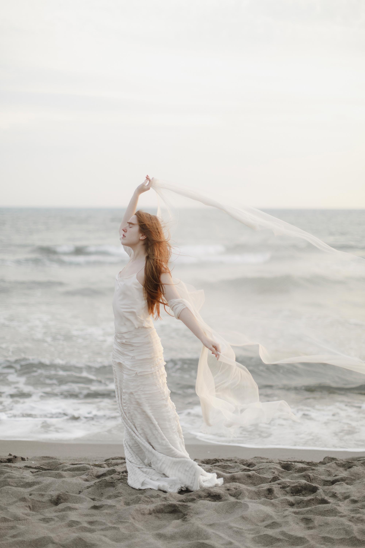 PENELOPE_ethereal_seaside_shoot_off_the_tuscan_coast_35.jpg
