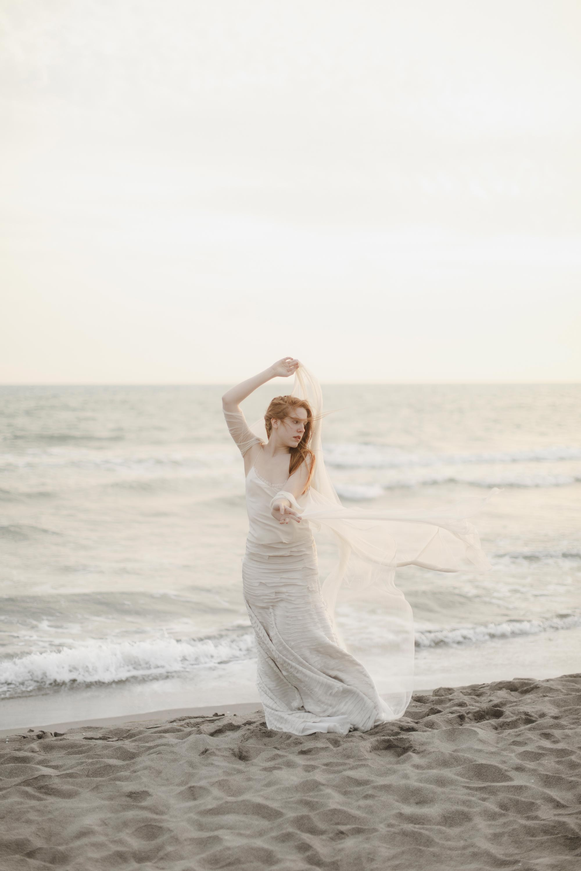 PENELOPE_ethereal_seaside_shoot_off_the_tuscan_coast_38.jpg