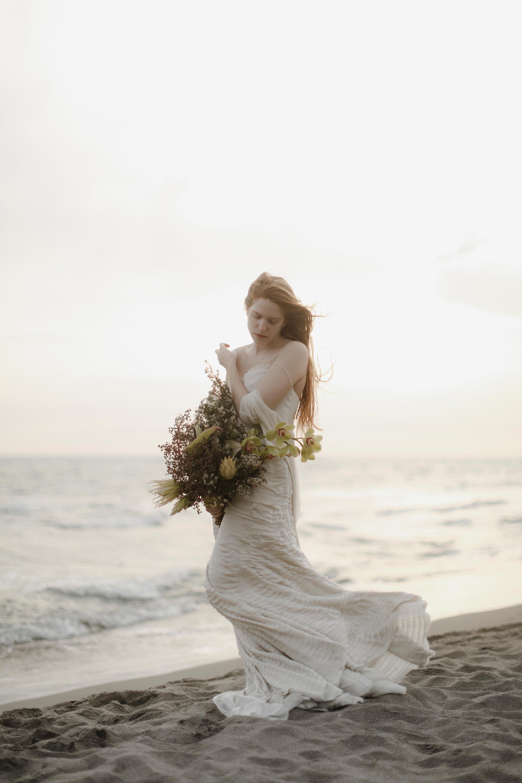 PENELOPE_ethereal_seaside_shoot_off_the_tuscan_coast_42.jpg