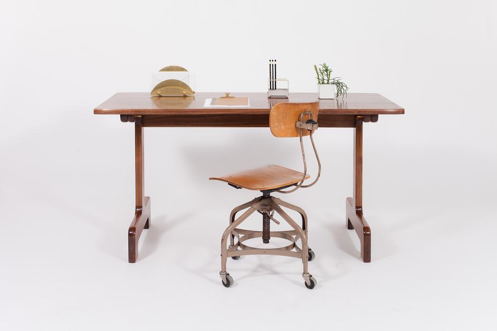 Physalia Desk