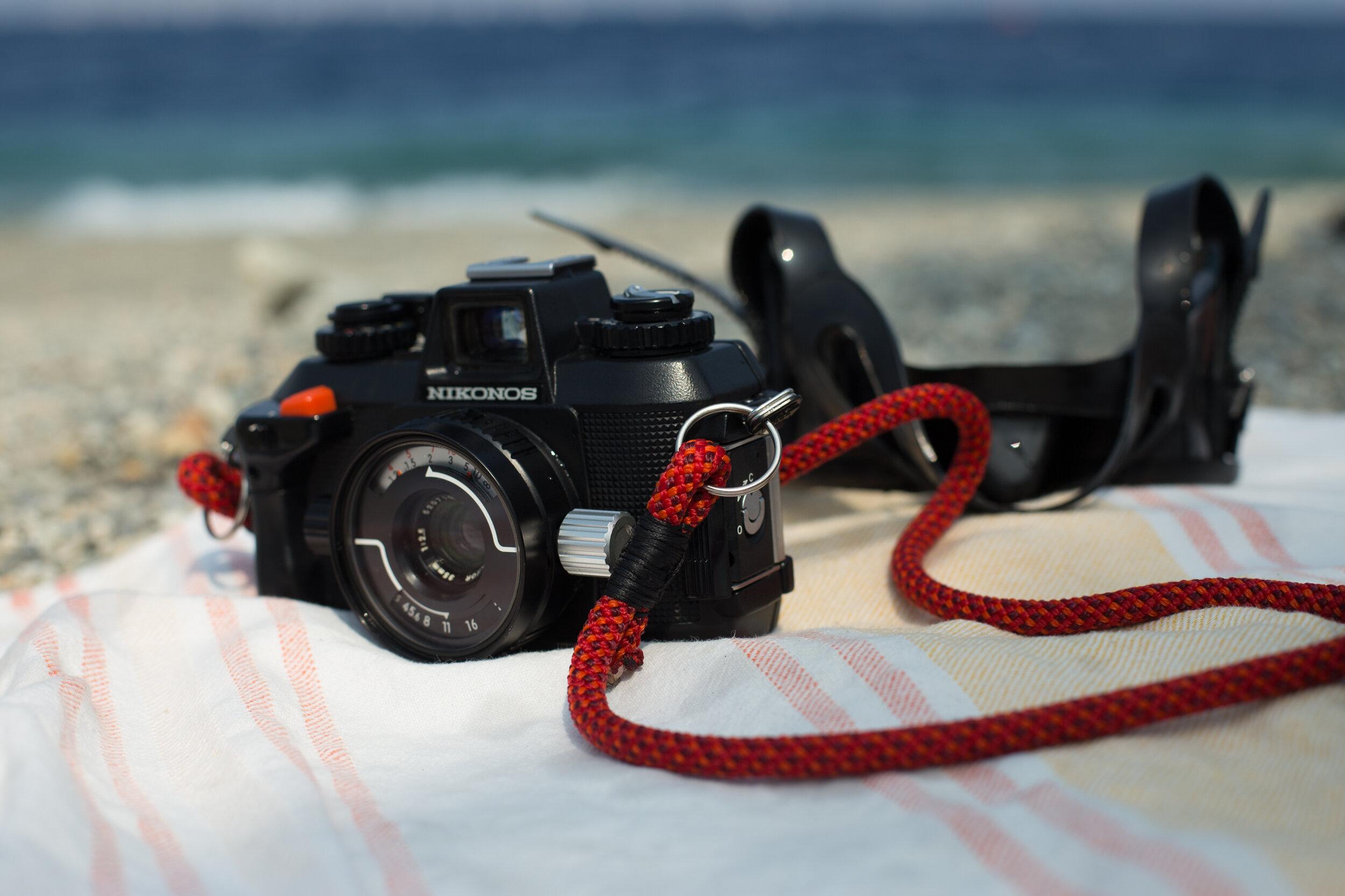 Nikonos_camera.jpg
