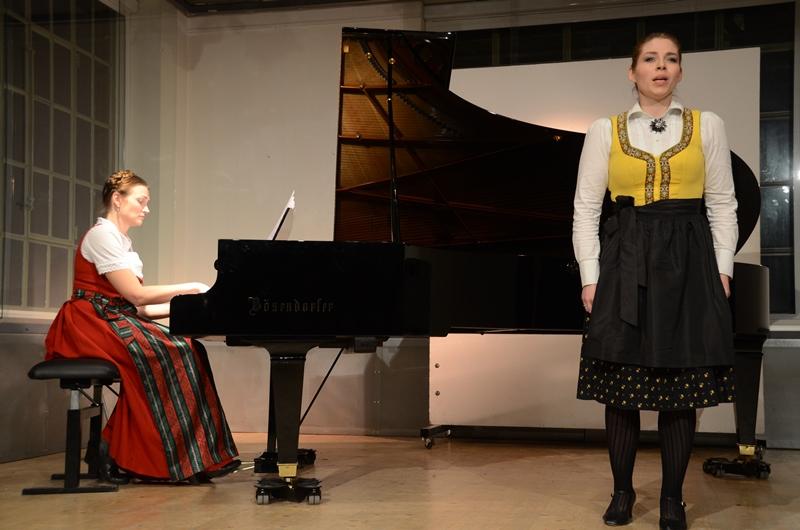 Chanda VanderHart and Frederikke Kampmann perform Britten Folksongs