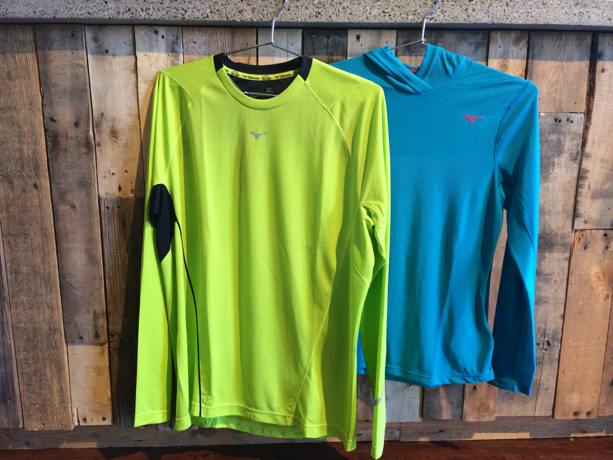 Mizuno's line of Breath Thermo products contains a synthetic material that not only wicks moisture, but uses that moisture to heat the clothing upon contact. These articles can be worn by themselves as a light-weight option for staying warm or as a base layer when temperaturesdrop below freezing.