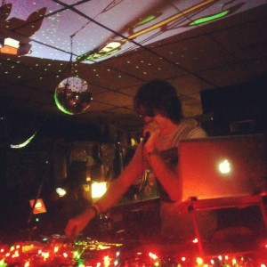 AfroDJMac Live Performance