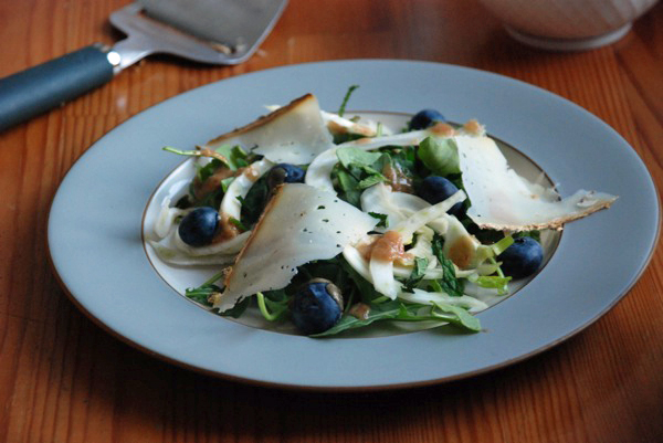 kohlrabi fennel blueberry salad