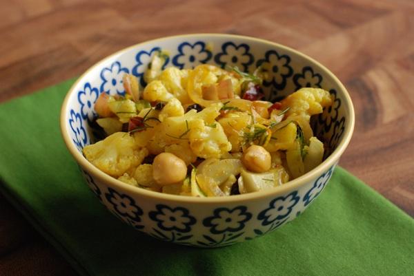 curried cauliflower chickpea salad