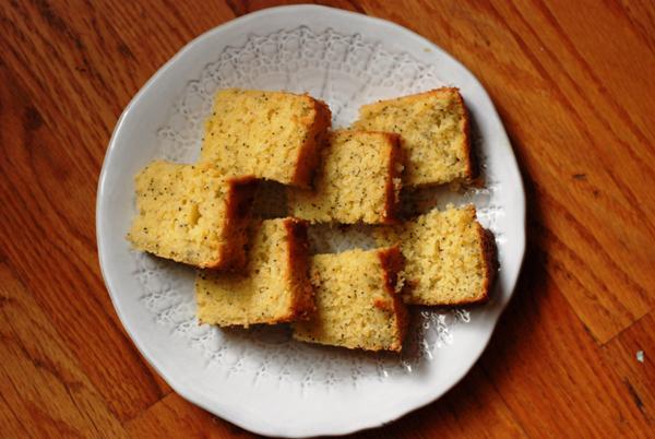 lemon poppy seed sour cream cake 1
