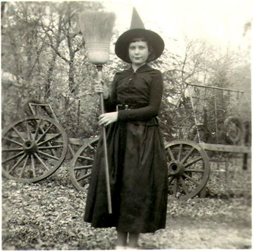OLD SCHOOL WITCH ONE.jpg