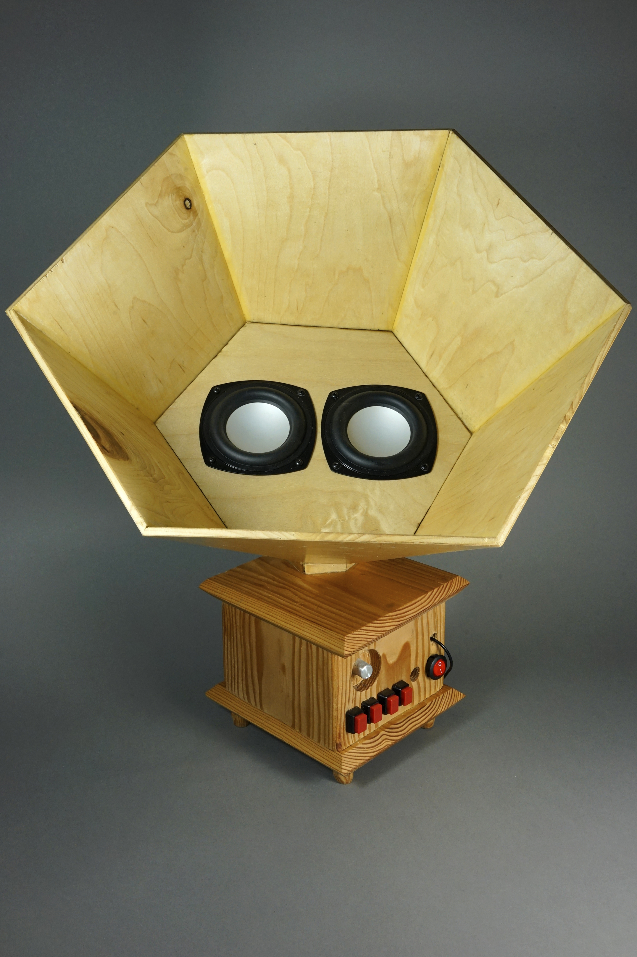 Lucy's phonograph-inspired amplifier with built-in drum machine.