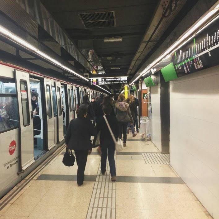barcelona_metro_travel_advice_aspiring_kennedy.JPG