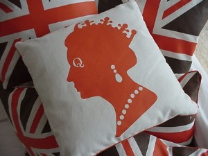 british-flag-queen-pillow.jpg