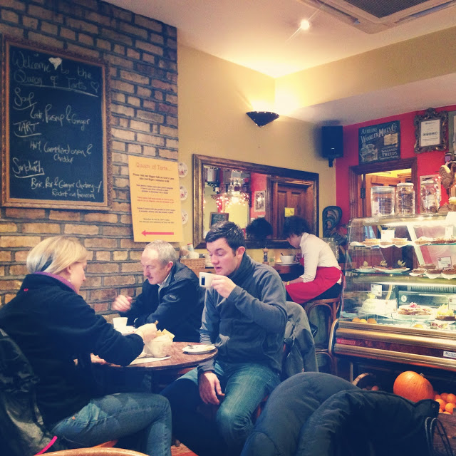 cozy_cafe_in_dublin_aspiringkennedy_queen_of_tarts.JPG
