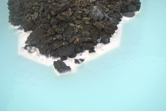 blue_lagoon_daytrip_iceland.JPG