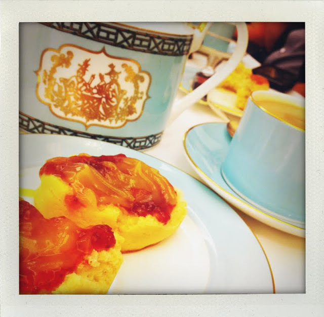 fortnum_and_mason_tea_scones.JPG