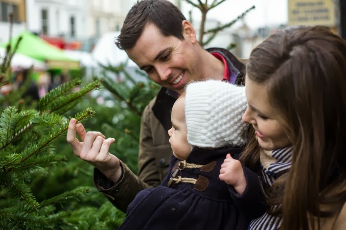 notting_hill_portobello_road_christmas_trees_aspiring_kennedy_noah_darnell.jpg